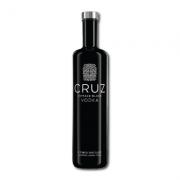 CRUZ Black Vodca ( 1 x 750ml)